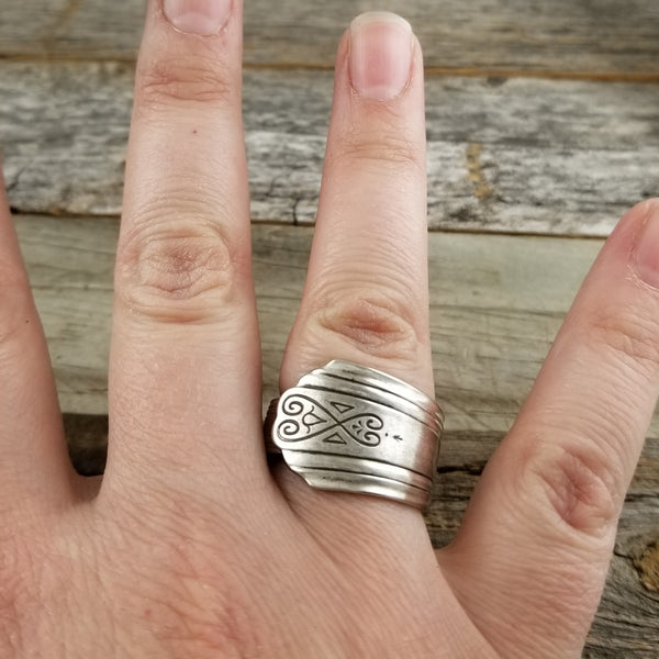 moderne silver spoon ring