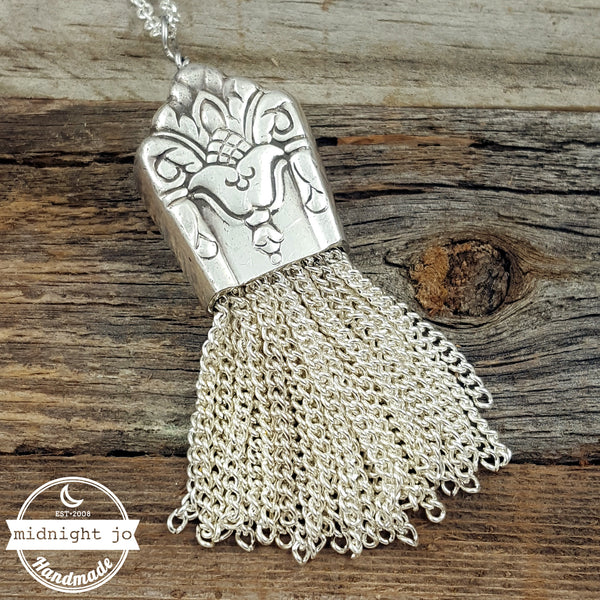 her majesty knife tassel necklace
