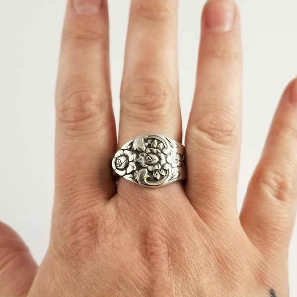 Rogers Oneida Plantation floral flowers Spoon Ring by Midnight Jo