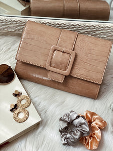 AU NATURAL BUCKLE CLUTCH - NUDE