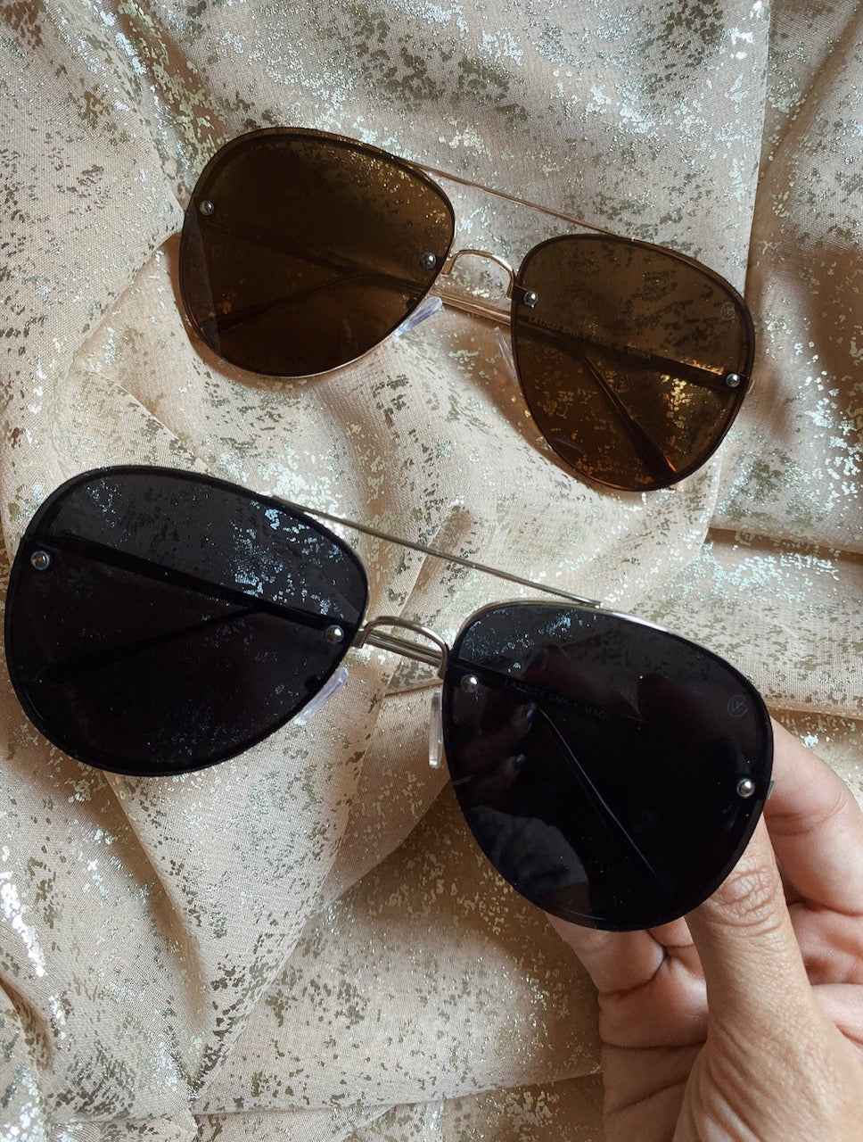 SLEEK RIMLESS AVIATOR SUNGLASSES