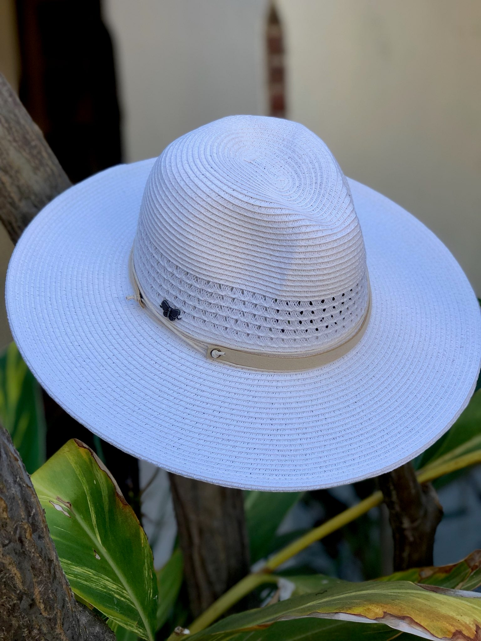 COASTAL BREEZE WIDE BRIM PANAMA HAT - WHITE