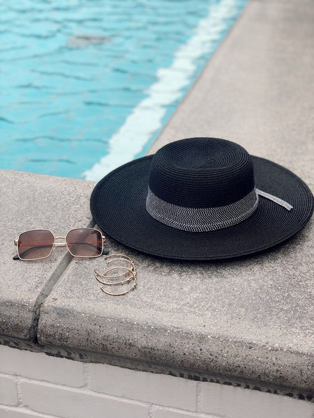 MIDNIGHT RUNNER WIDE BRIM SUN HAT