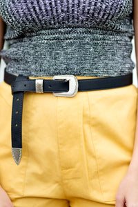 SINGLE BUCKLE BLACK AND SILVER WESTERN BELT