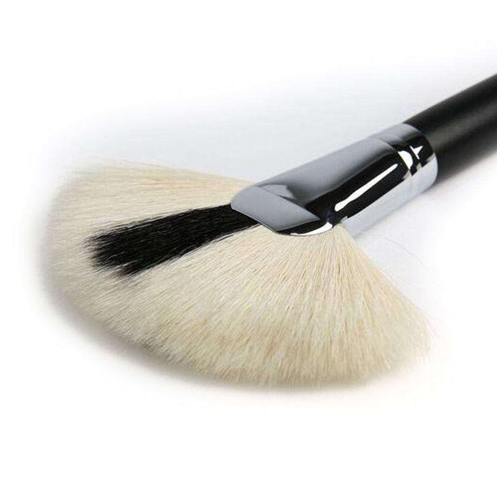 NG320 - Large Fan Brush
