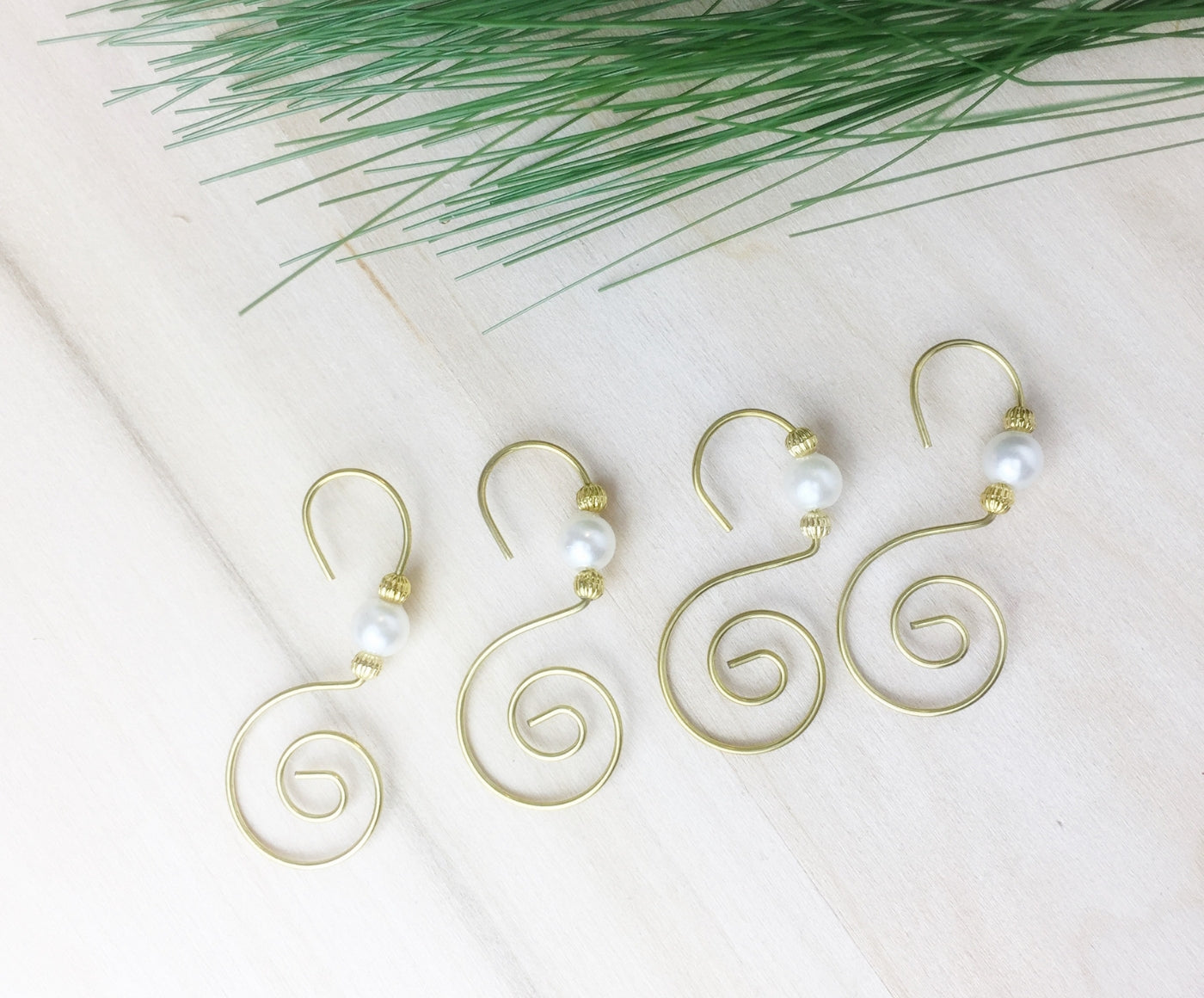 Gold fancy ornament hooks