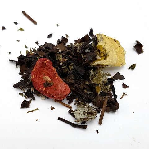 Strawberry Rhubarb Salad Oolong Tea (Limited Edition)