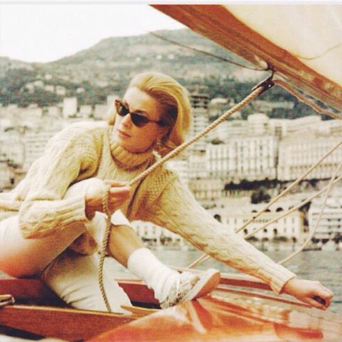 Grace kelly aran (Photo: https://www.pinterest.ie/pin/65020788346990940/)