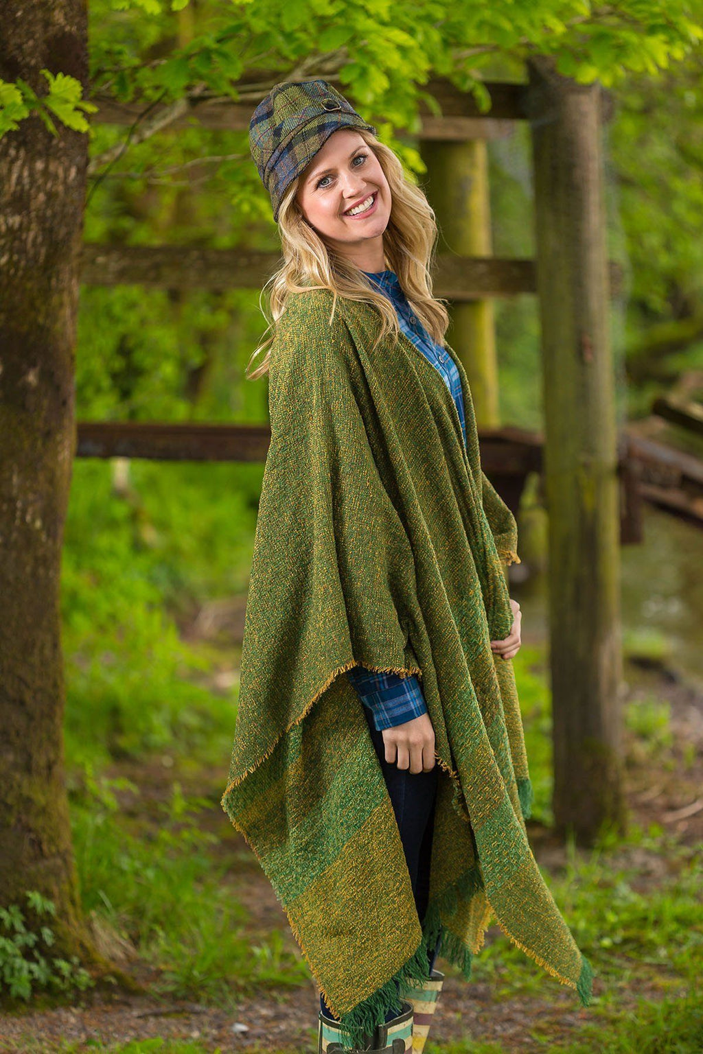 Celtic Wool Shawl - Kelly Green Knitwear Lee Valley Ireland