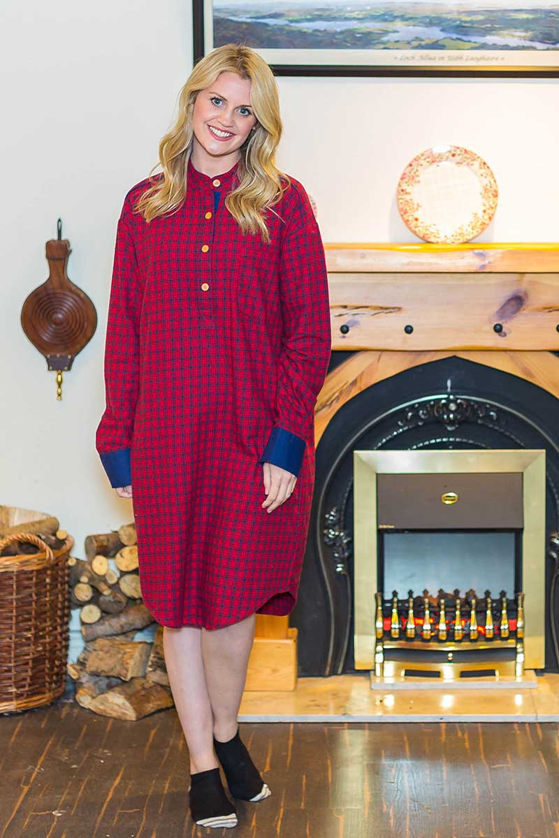Nightshirt Irish Country Flannel Ladies - SF2 Red/Navy Check Sleepwear Lee Valley Ireland