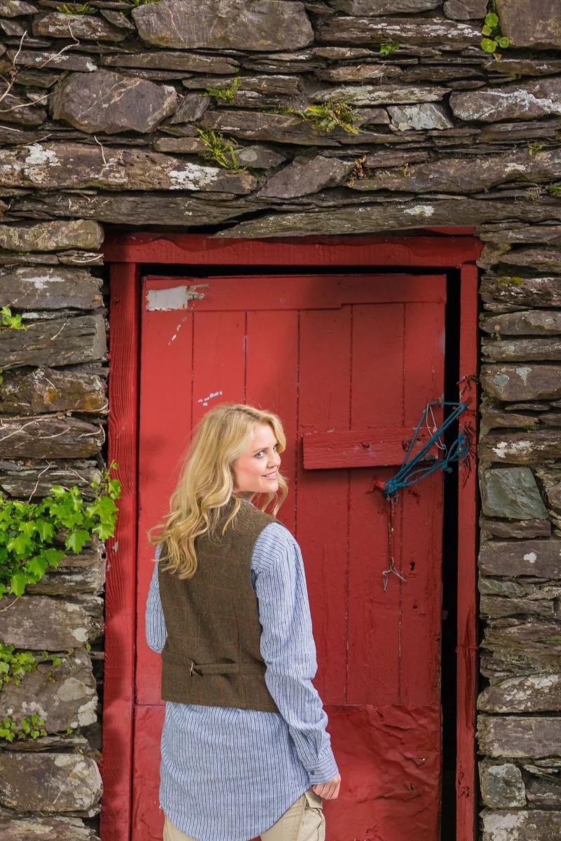 Irish Womens Wool Tweed Vest - Durrow Moss Check - Lee Valley Ireland - 3