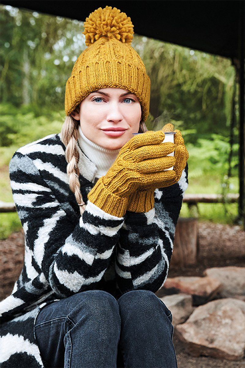 Cable Knit Gloves 1