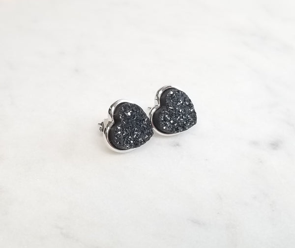 Willow Stud- Lg Heart