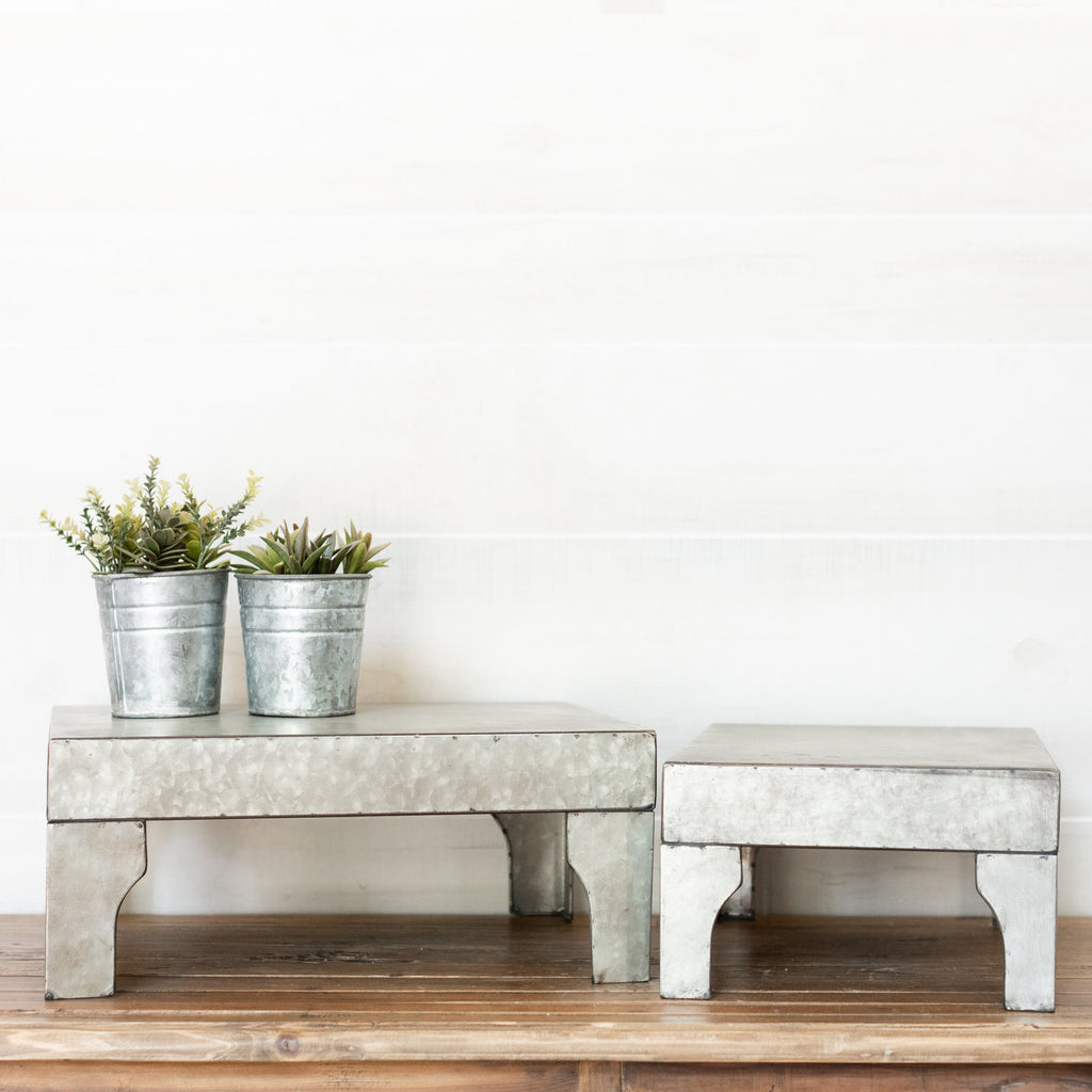 Metal Pedestal Set