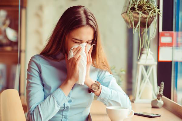 How an air purifier can reduce allergy symptoms