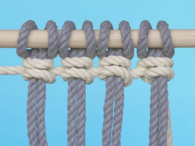 How do you tie a Vertical Double Half Hitch?