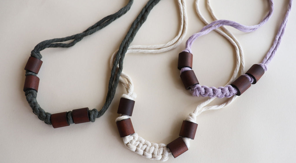 LUCKY U NECKLACES with wooden beads - Modern Macrame