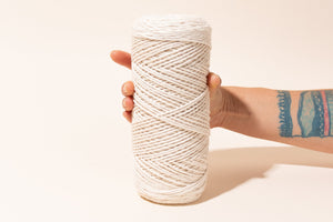 2mm 100% oeko tex certified cotton string or cord  in hands