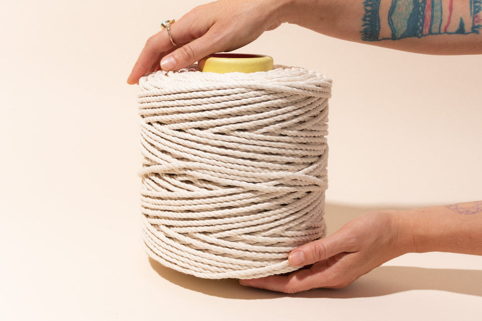 5mm cotton rope with hands to show size