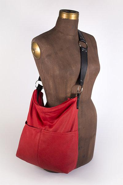 Hides in Hand Bucket Bag Purse in Red