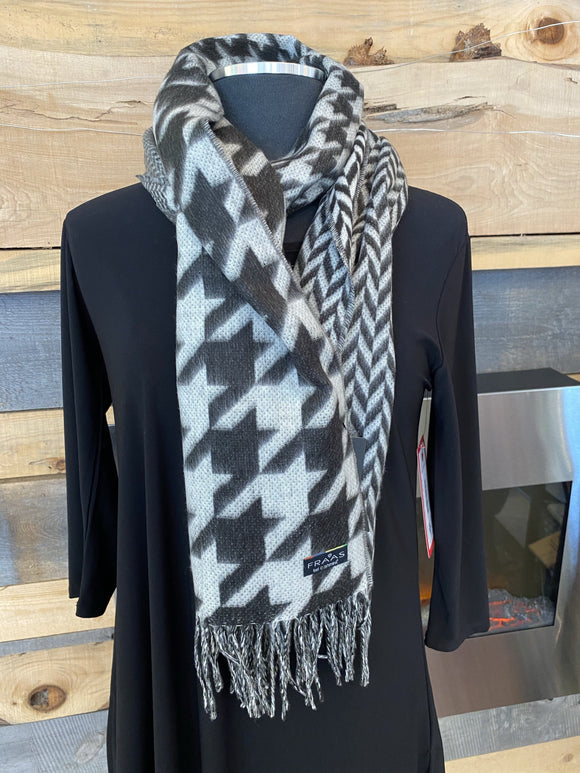 Fraas Cashmink® scarf with houndstooth - Black - 625270 990 Scarf