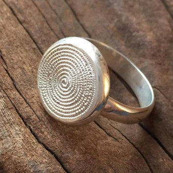 Ndoro Single Band Ring