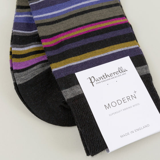 Pantherella Quakers Socks Black Image #1