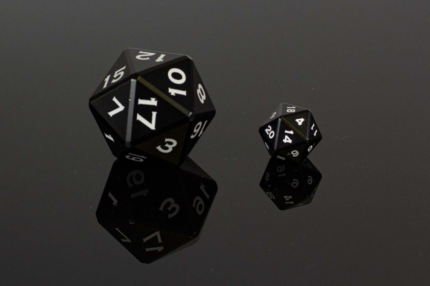 Table Breaker Series 40mm D20 - Balasar the Black - GRAVITY DICE