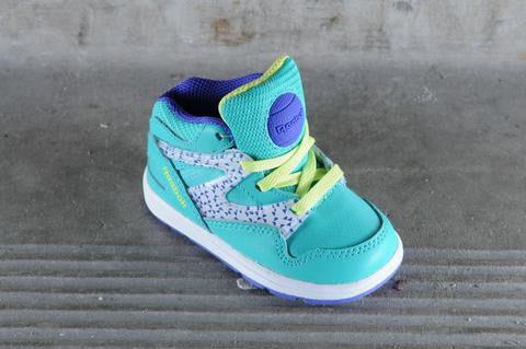 cceff6e167e5e9 KIDS SHOES REEBOK VERSA PUMP OMNI LITE PUMPS CLASSIC INFANT SIZE CUTE BOYS  AND GIRLS SHOE