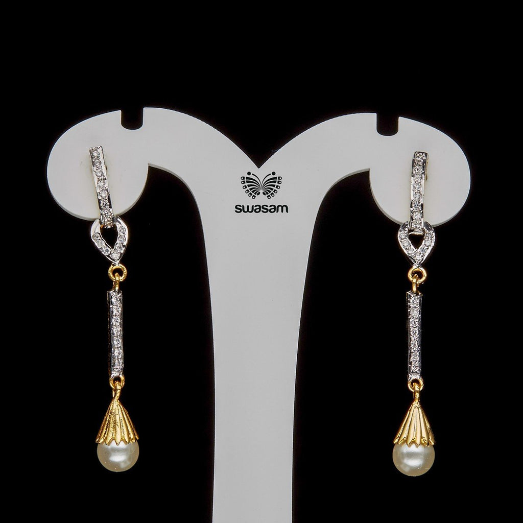 Earrings Pearl & White Stone