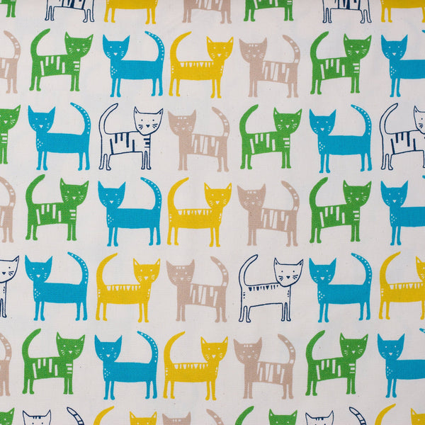 Kawaii Japanese cat fabric in oxford cotton by Hokkoh - 1/2 YD
