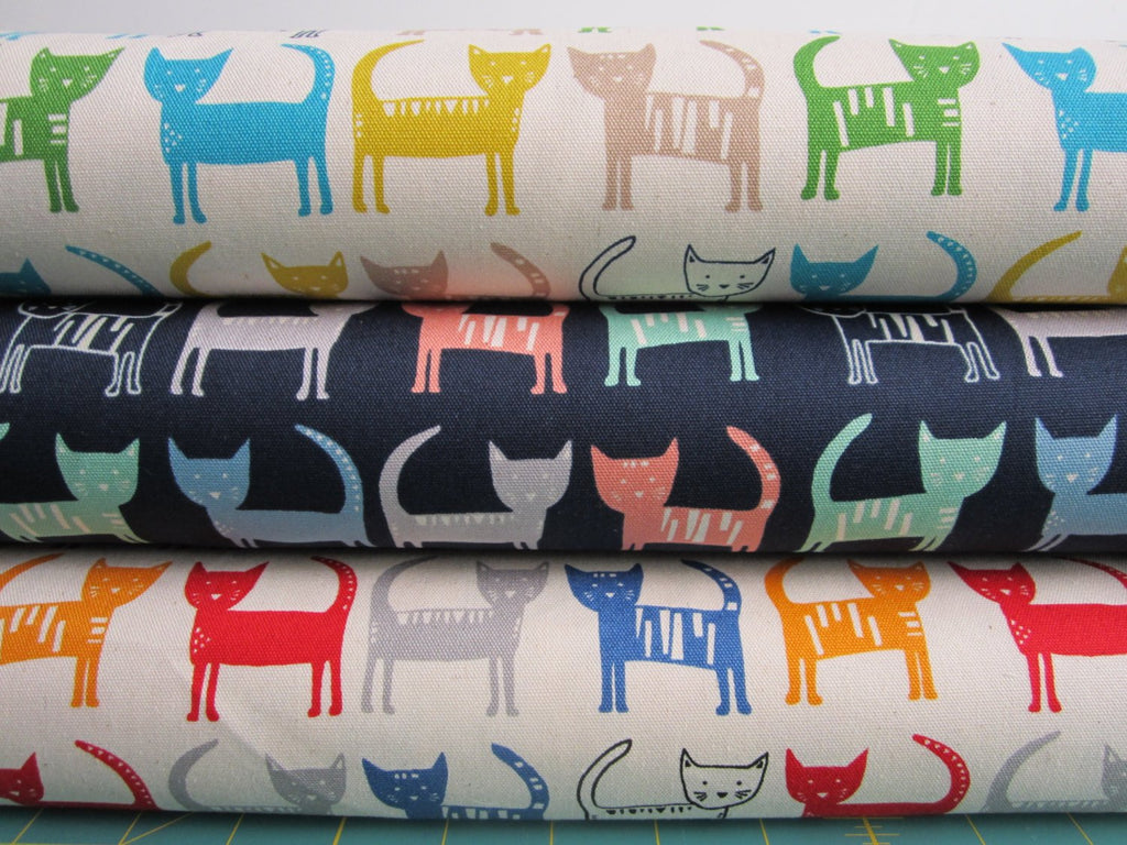 Kawaii Japanese fabric in oxford cotton by Hokkoh - kawaii cat - 1/2 YD
