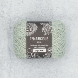 Temaricious cashmere yarn in pale green