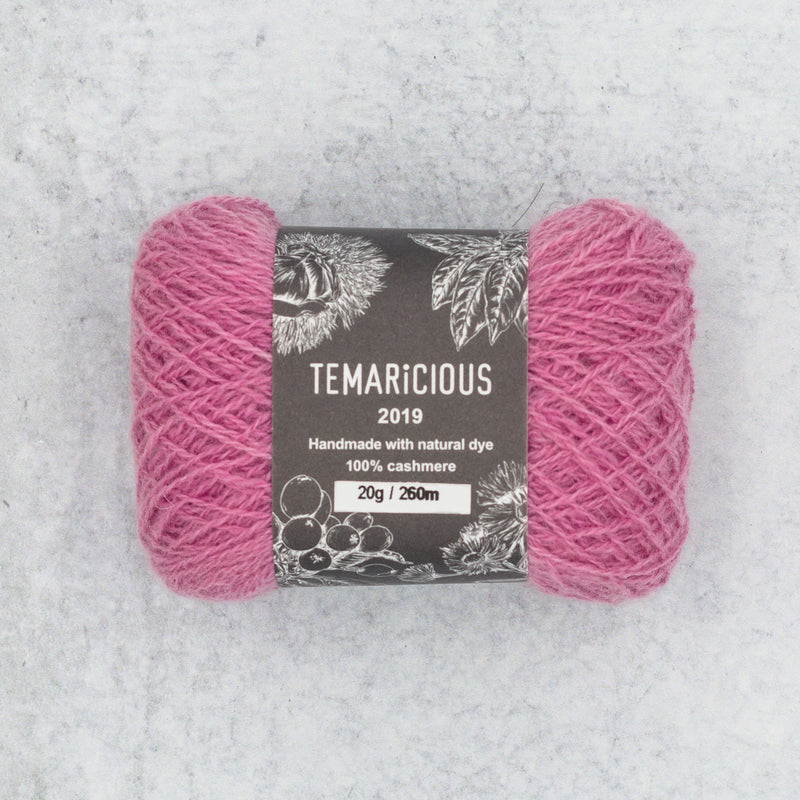 Temaricious cashmere yarn in pink
