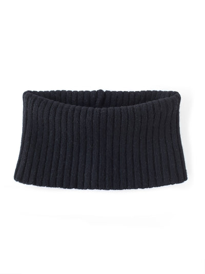 Women's neck warmer knitted in merino lambswool. Black colour.