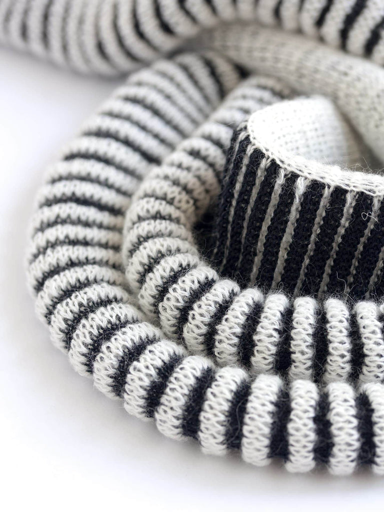 Cauliflower Scarf - Black & White