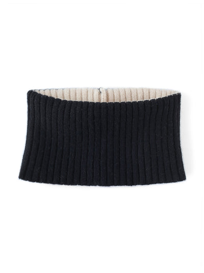Women's neck warmer colour block lambswool. Ivory and black colour.