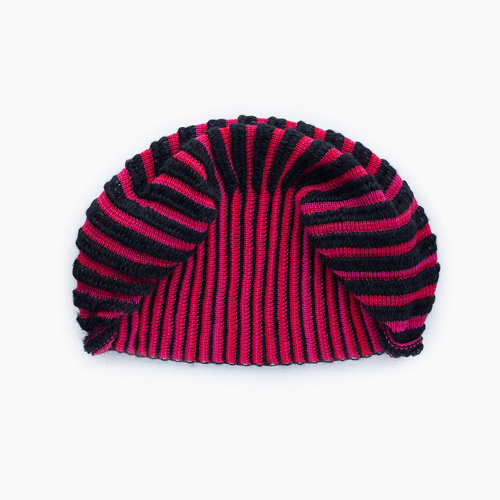 Cauliflower Hat Raspberry & Black