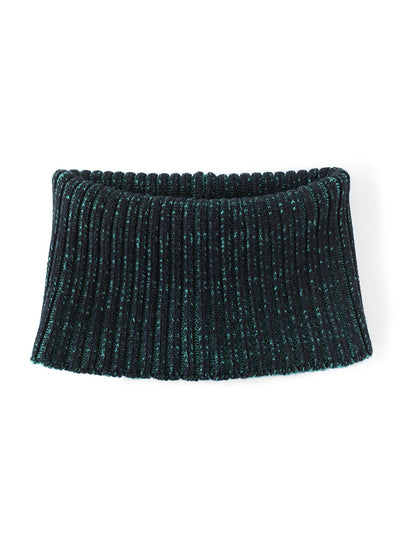 Knitted Neck warmer made in premium merino wool. Black and Jade green colour.
