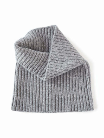 Women's neck warmer knitted in merino lambswool. Grey colour.