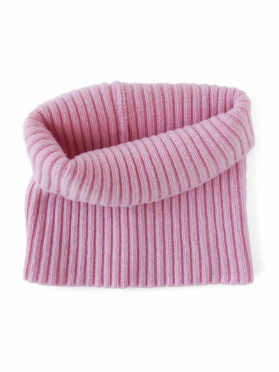 Women's neck warmer knitted in merino lambswool. Pink colour.