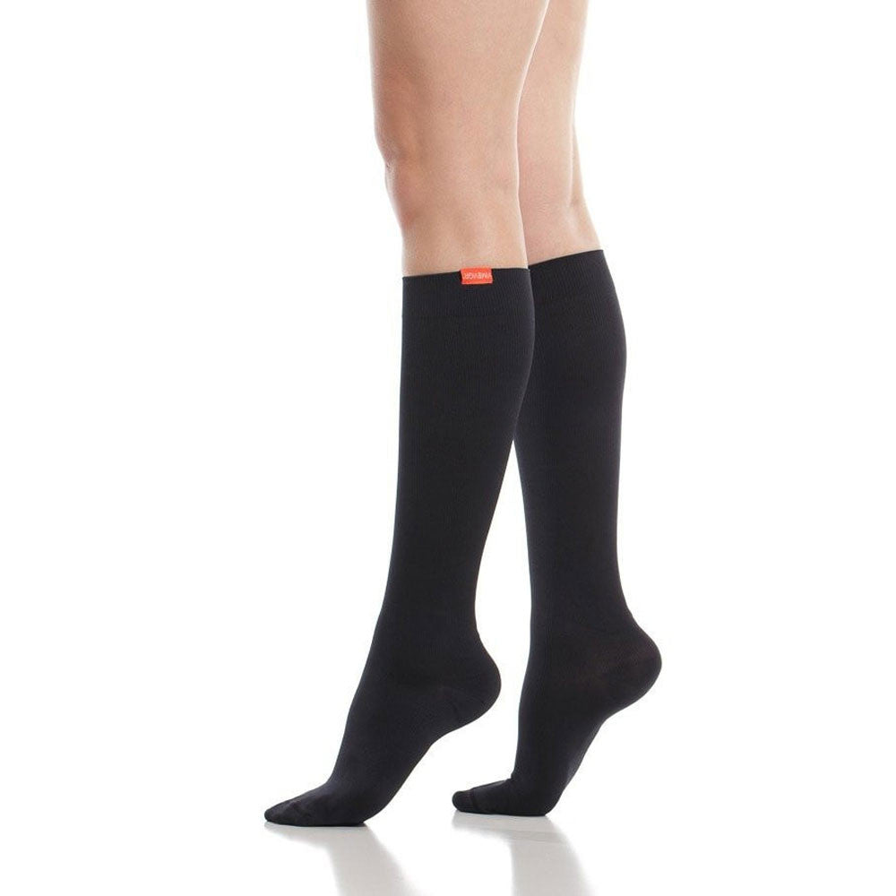 vim and vigr compression socks, black moisture wick