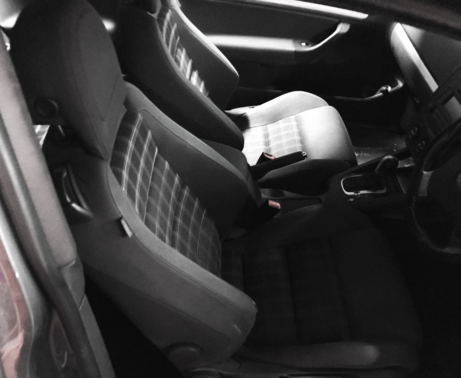 VW GOLF GTI MK5 - FRONT SEATS