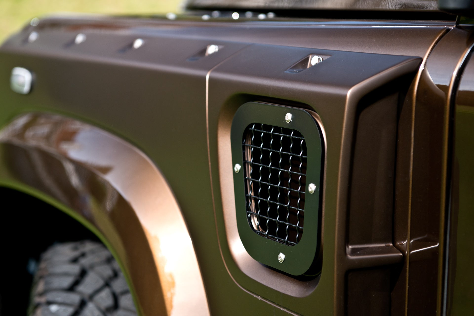 LAND ROVER DEFENDER - CTC SIDE VENTS WITH MESH