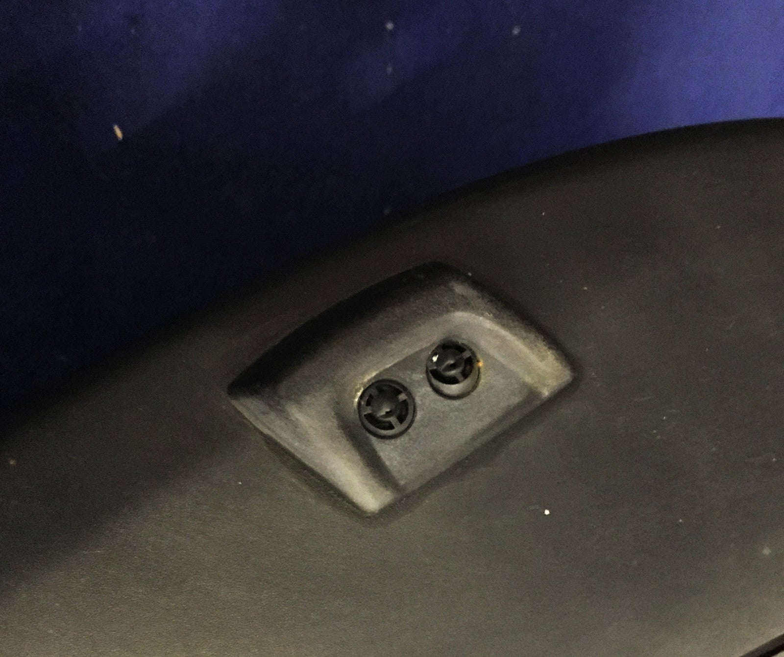 Land Rover Discovery 3 Front Bumper Headlamp Washer Jets