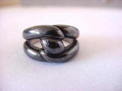 Ring classic twist darkened ruthenium 7