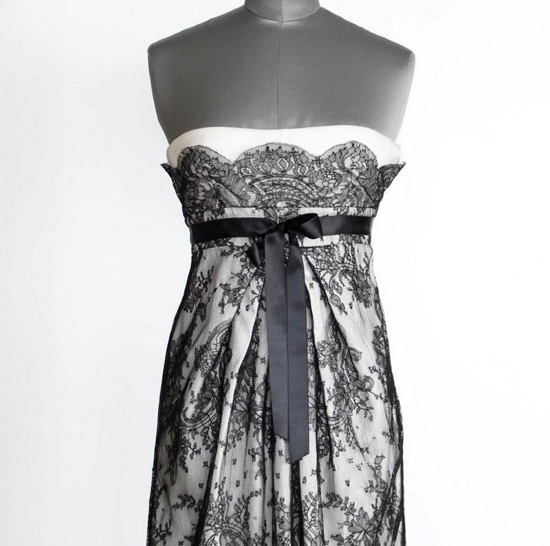 Valentino Dress Exquisite Black Lace Overlay Strapless Empire 38 / 4 - mightychic