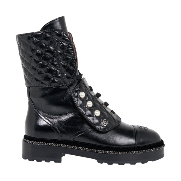 Chanel Combat Boot 3/4 Tall Quilted / Pearls / Chain 39 /9 Box