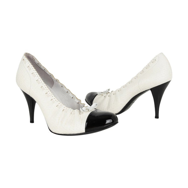 55365b5f19ca ... Chanel Shoe White Snakeskin Pump Black Detailed Round Patent Toe Heel 38    8 - mightychic ...