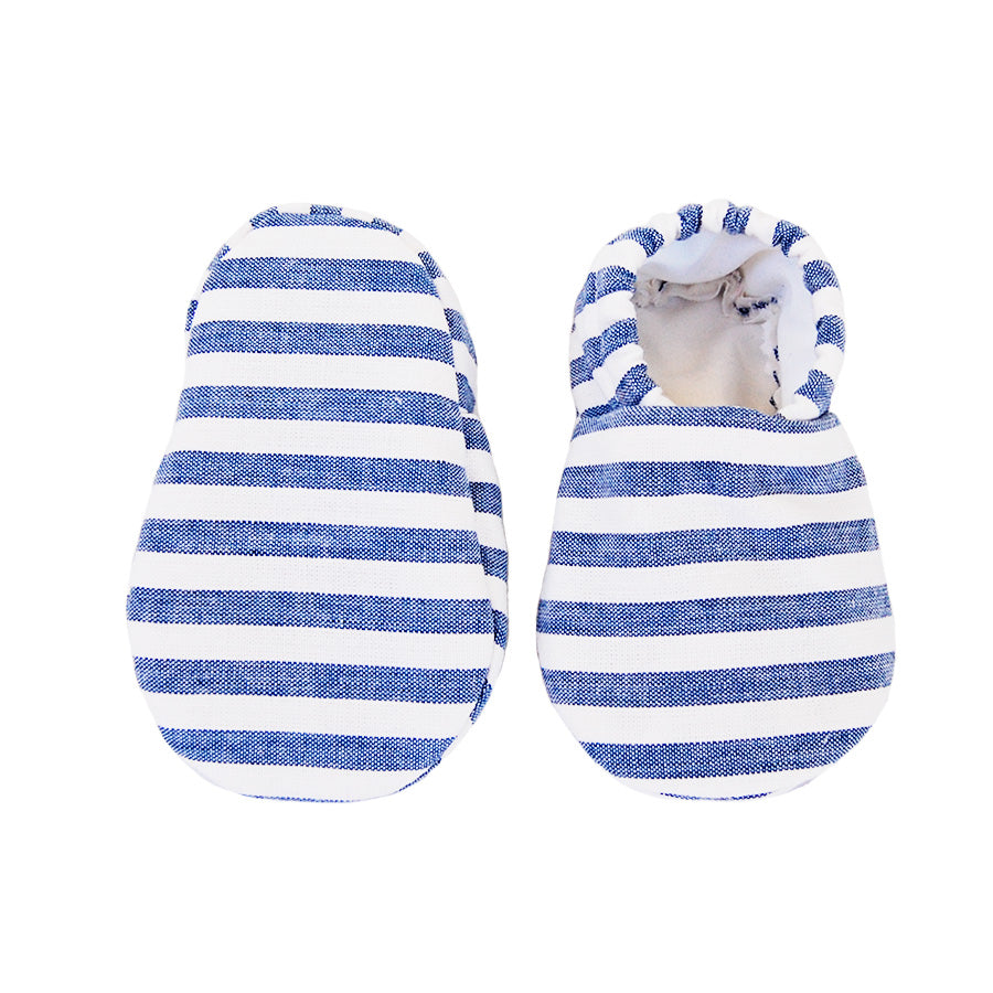 """Classic"" baby booties 